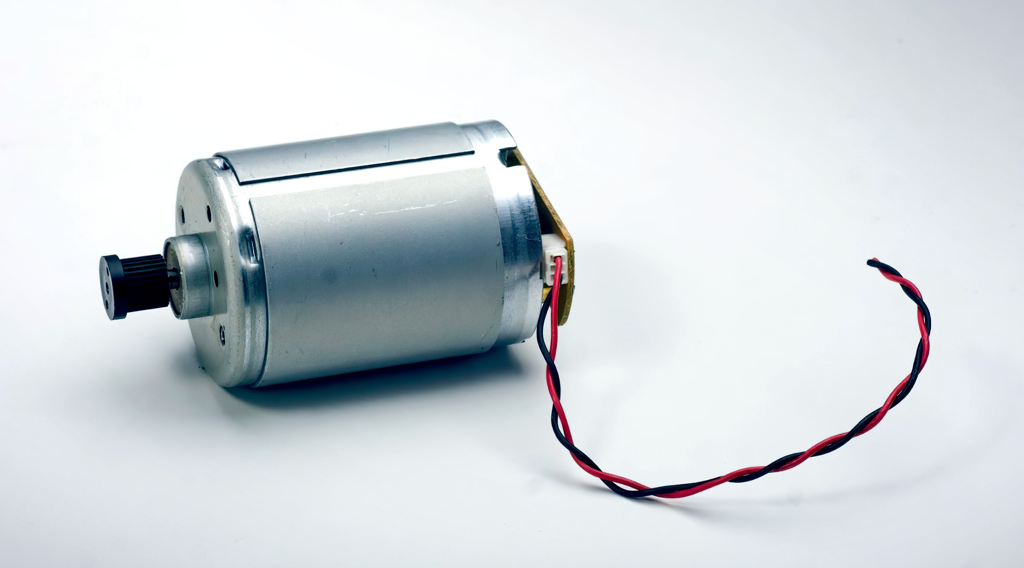 /building-a-brushed-dc-motor-controller-an-overview-ha3r3397 feature image