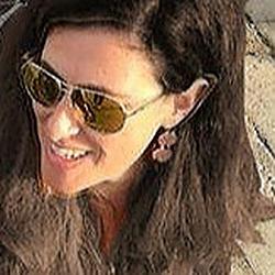 Rachel Hacker Noon profile picture
