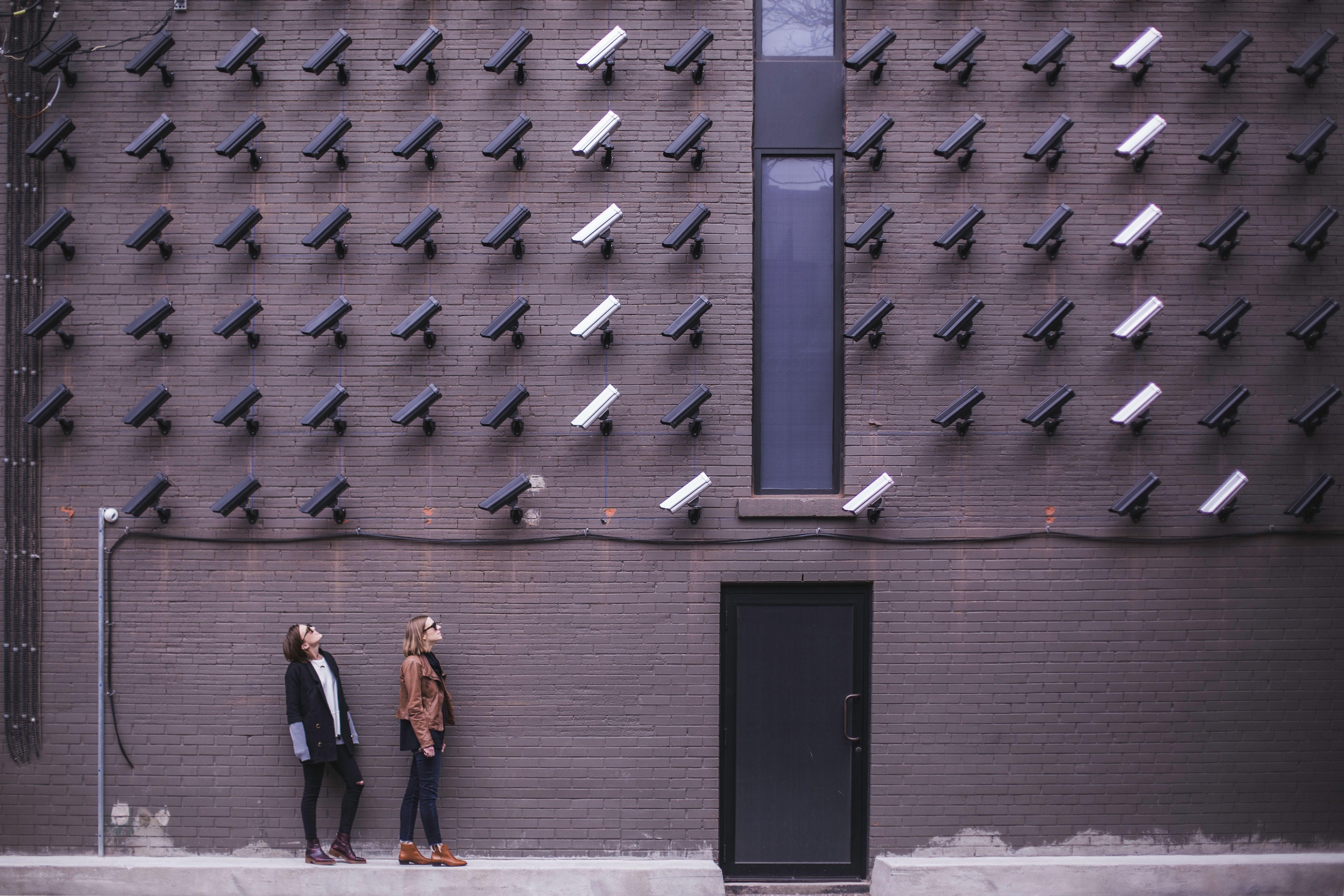 /smart-cities-raise-data-privacy-concerns-wl823183 feature image