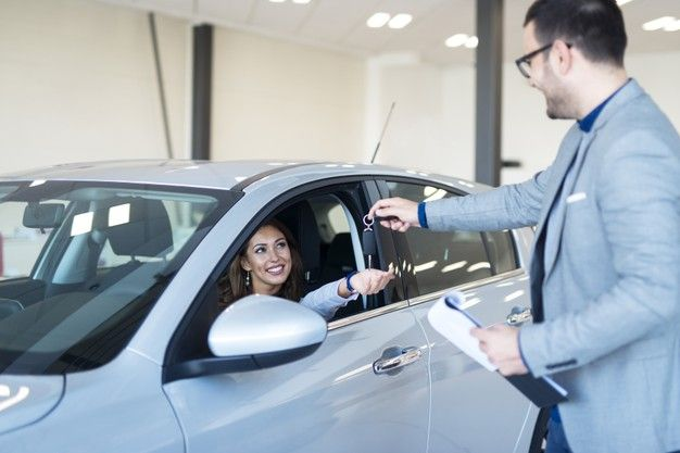 /the-automotive-industry-shifts-online-with-digital-marketing-tactics-khce358r feature image