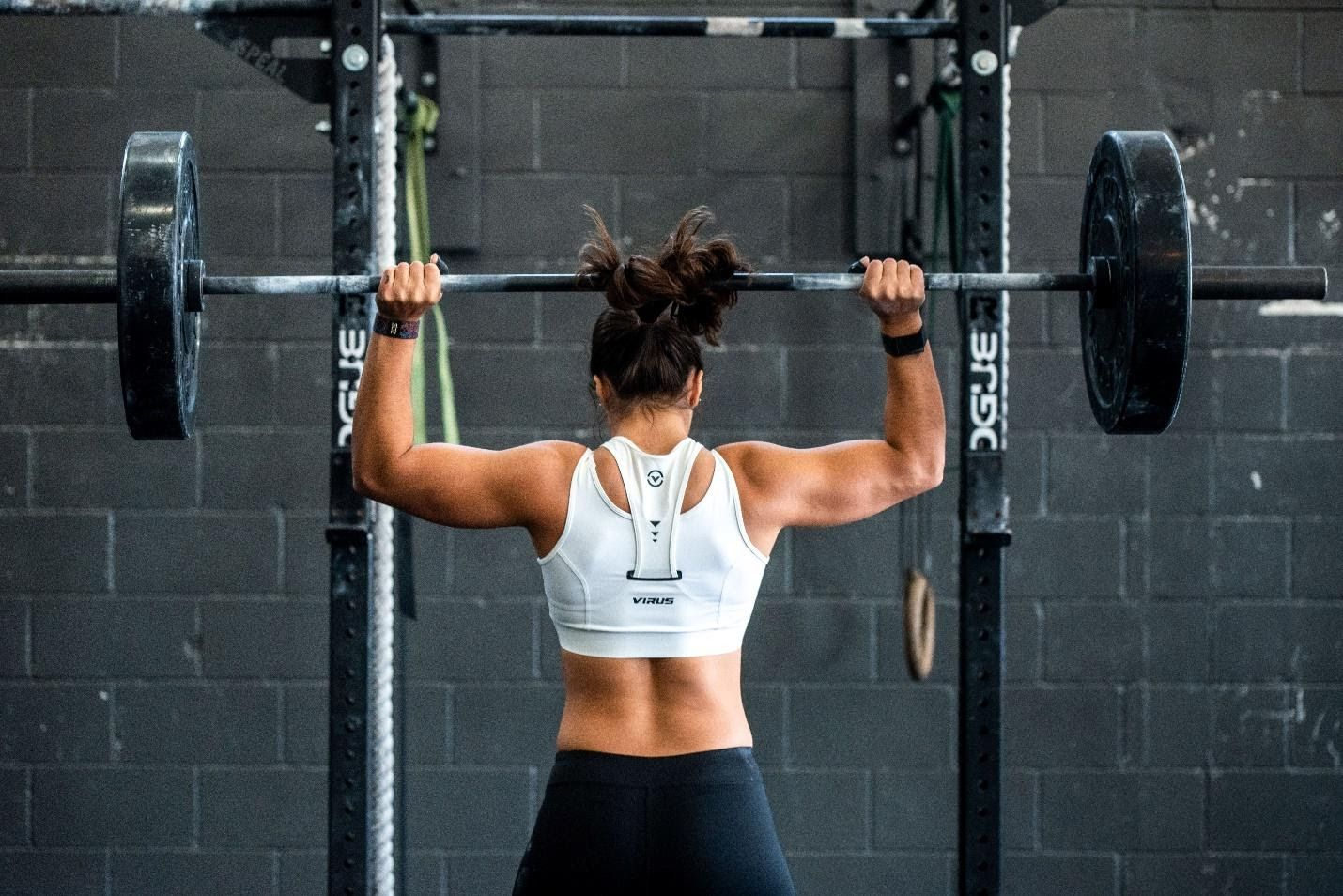 /4-ai-based-personal-trainers-that-are-changing-the-future-of-fitness-ex6f33pt feature image