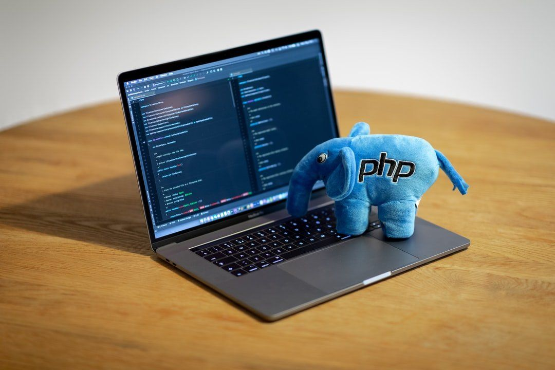 /how-to-write-your-first-php-code-9f1f33e3 feature image