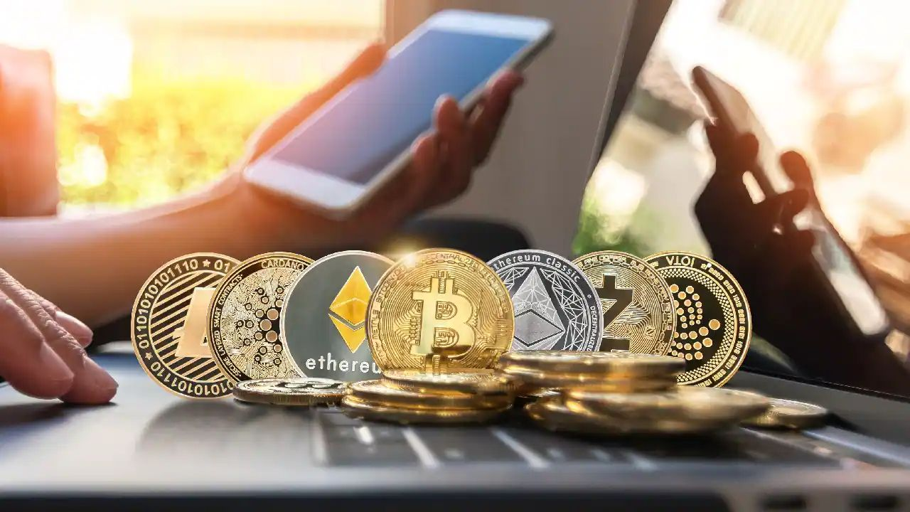 /tech-giants-interest-sends-cryptocurrency-prices-sharply-higher-4j1u37kx feature image