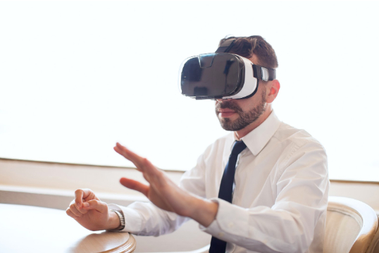 /3-ways-to-make-sure-vr-integration-is-the-right-choice-for-your-business-0i14328y feature image